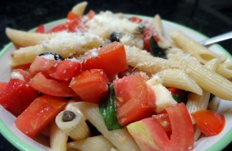 pasta salad with mozzarella and capers