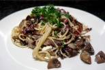 Spaghetti with mushrooms and radicchio salad