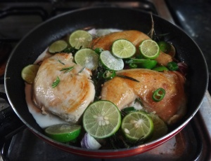 Chicken with limes and thyme in the pa