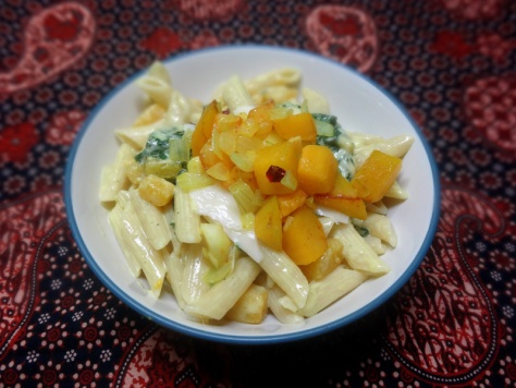 Penne in Spinach-mozzarella-pumpkin cream sauce