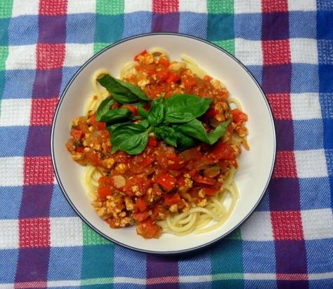 Spaghetti with chicken ragú alla bolognese