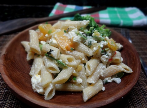 Healthy summer pasta with veggies and feta-yoghurt sauce