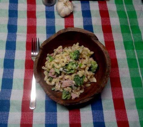 Macaroni salad with broccoli, ahm and caramelized onions